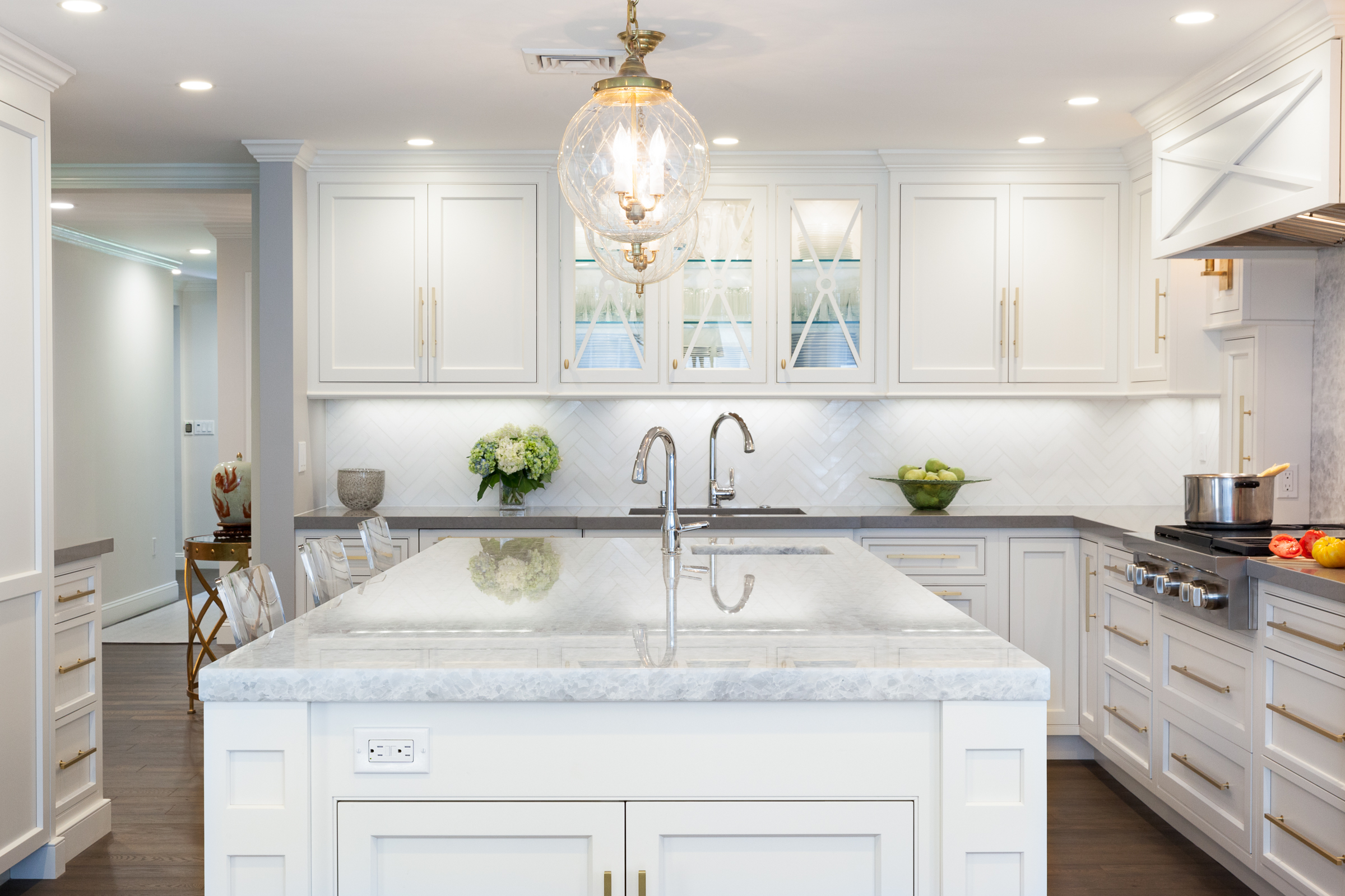 Meet Samantha Elfland Of Metropolitan Cabinets Countertops In Norwood Boston Voyager