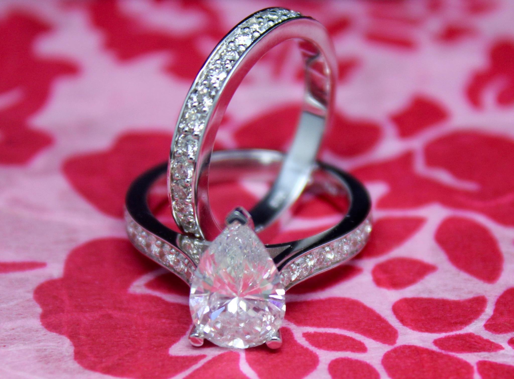 Meet Alex Sinvare of Chicago Rocks Jewelry - Voyage Chicago ...